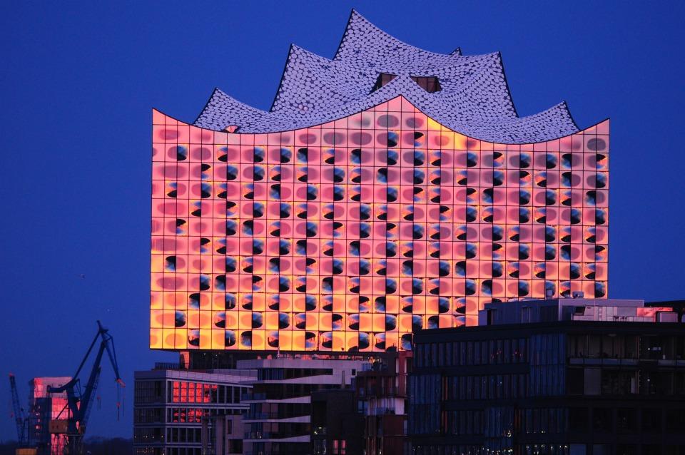 Hamburg ; Baustelle Elbphilharmonie von Osten