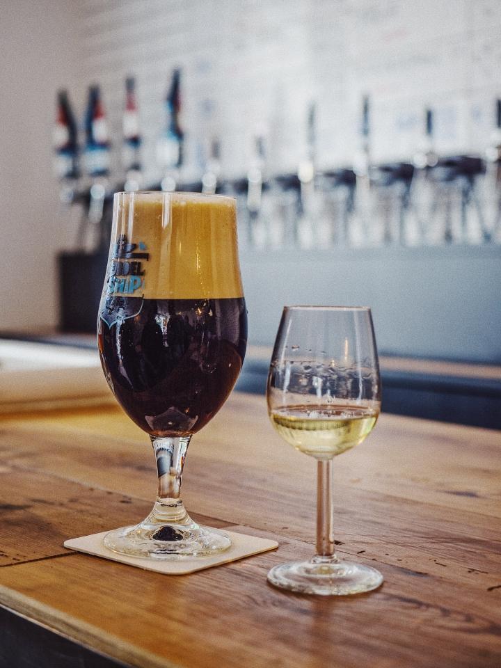 Craft Beer und Jenever-Schnaps