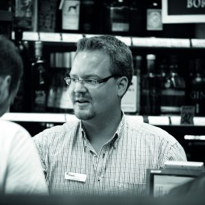 Jens Lühmann empfiehlt einen Aquavit von Helbing. Foto: Bertold Fabricius