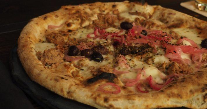 Neapolitanische Pizza bei Tazzi auf St. Pauli Foto: Sophia Herzog