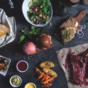 Die Hidden Kitchen setzt auf einen verantwortungsvollen Umgang mit Lebensmitteln Hidden Kitchen auf dem Hamburger Kiez © Lukas Schröder