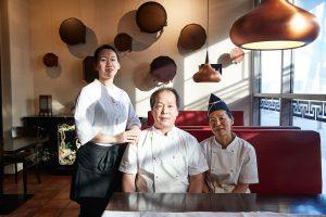 Asien – Han-Mi // Inhaber Soon-Moon Jeong und Suk-Hee Lee tischen mit Restaurantleiterin Hye-Kyong Jeong authentisch koreanisch auf
