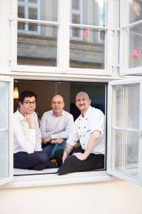 Lüneburg – Restaurant Einzigartig // Ein einzigartiges Team: Inhaber Jörg Laser, Restaurantleiter Michael Bolte und Küchenchef Sascha Engelmann (von links)