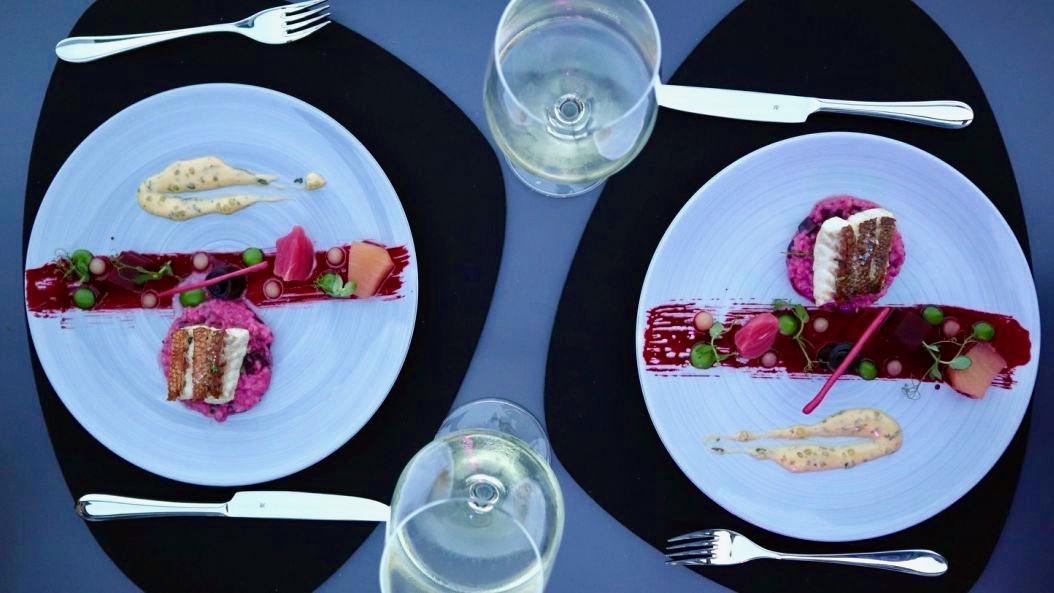 Ginn-Restaurant-2-c-Laura-Lueck