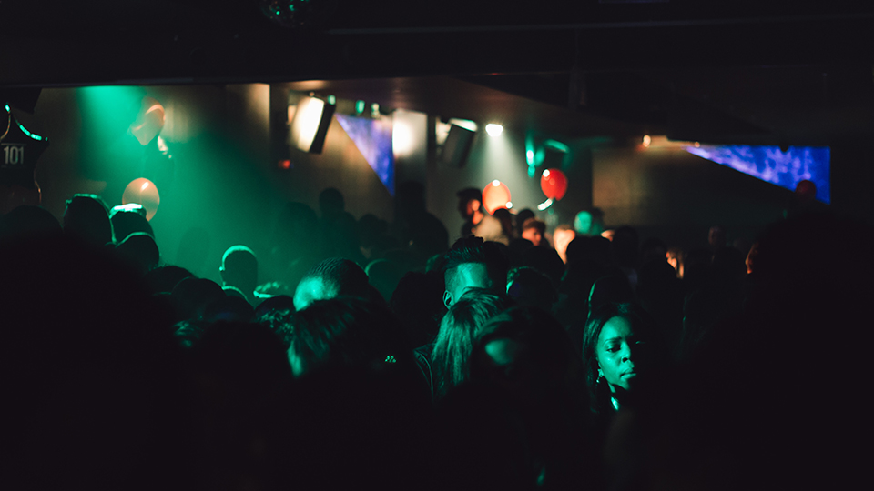 rave-party-c-alex-holyoake