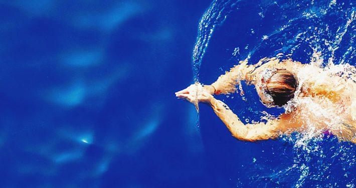 schwimmen-freibad-sommer-hamburg-c-efe-kurnaz-unsplash