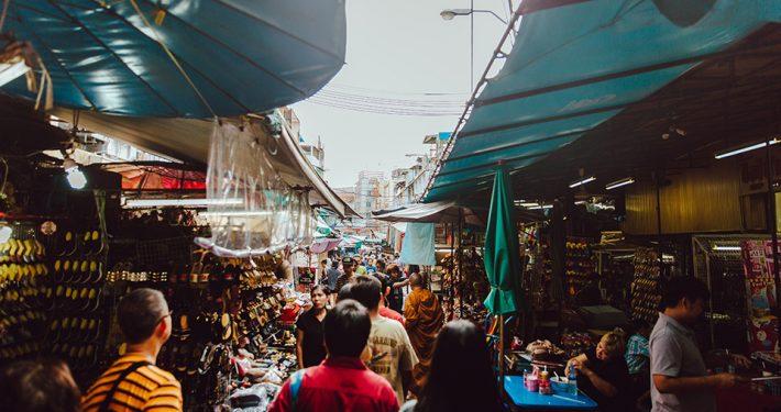 thai-market-c-evan-krause-unsplash
