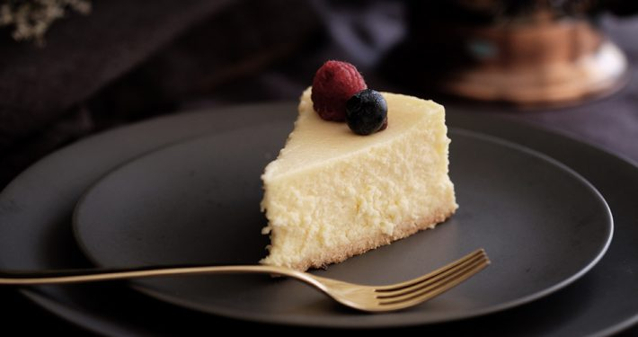 cheesecake-c-tina-guina-unsplash