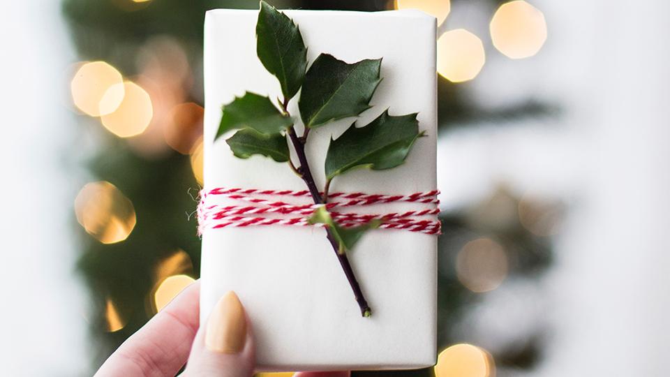 geschenk-c-kari-shea-unsplash