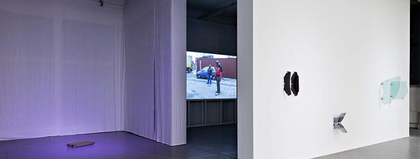 Installation-view-'Brown-Goods',-Kunstverein-in-Hamburg_