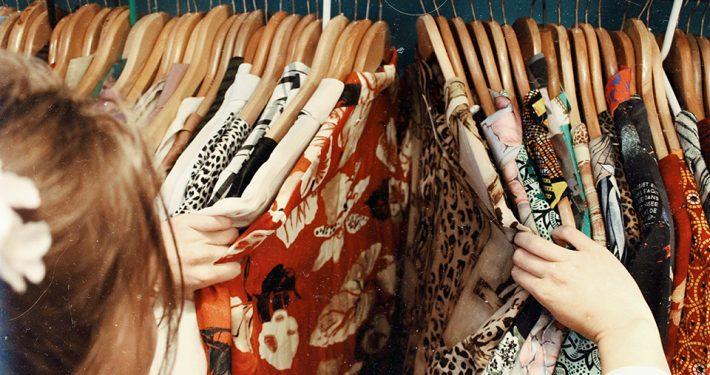 vintage-shoppen-c-becca-mchaffie-unsplash