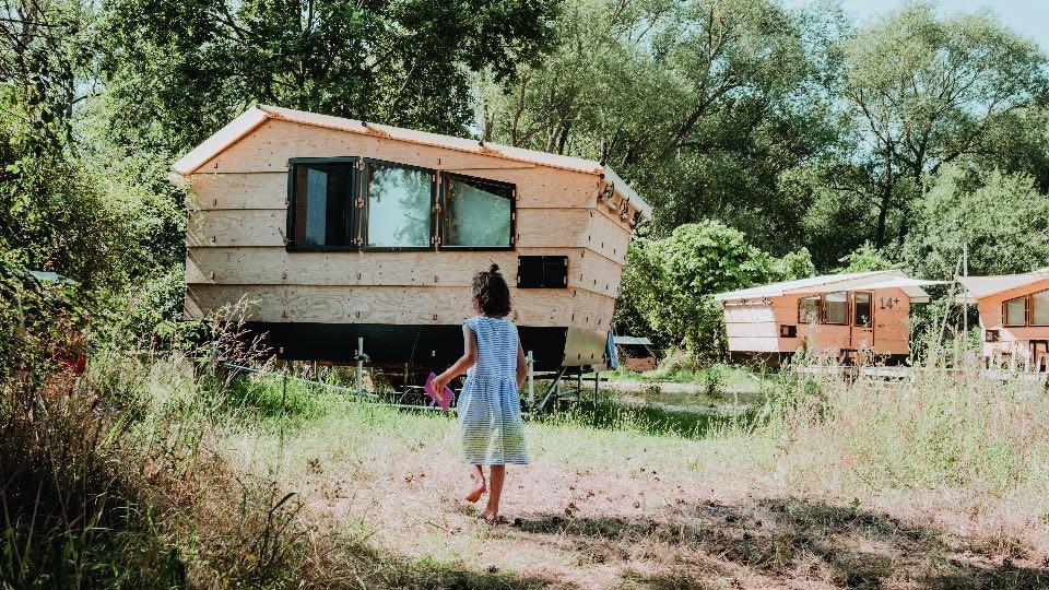 Mädchen im Destinature Dorf Foto:Janine Oswald