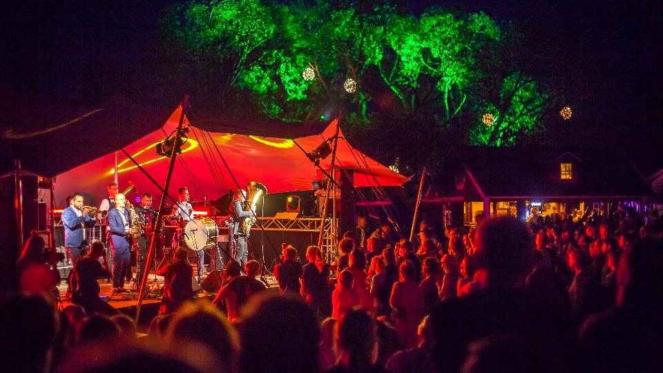 NORDEN Festival - Konzert auf Schlei-Bühne; Foto: Nora Berries, Norden Festival