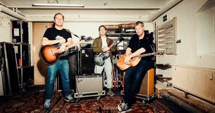 Markus Wiebusch, Aki Bosse und Thees Uhlmann sind gemeinsam auf Tour; Foto: Andreas Hornhoff