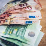 Darum geht´s beim BAföG, um das liebe Geld (Foto: unsplash/Markus Spiske