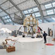 """Wie in den Deichtorhallen bei Tom Sachs """"Space Programm: Rare Earth"""" gibt es am 31.10. in 31 Hamburger Museen freien Eintritt (Foto: Henning Rogge)"""