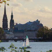 Hamburg zieht viele neue Bewohner an (Foto: unsplash/Niklas Ohlrogge)