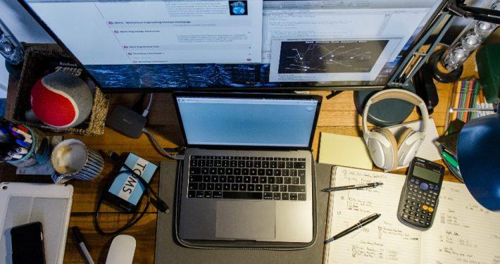Das Studium ist eine Zeit der Selbstorganisation, dabei ist Hilfe immer willkommen (Foto: unsplash/Tomas Yates)
